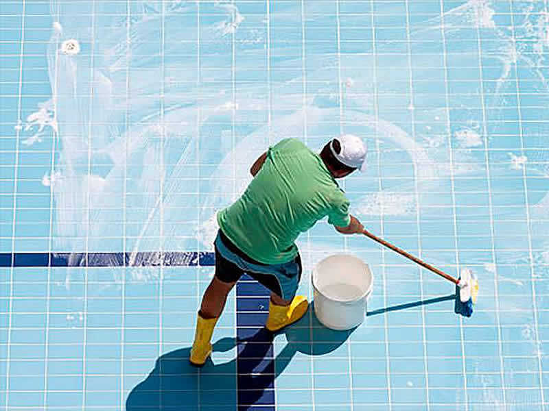 pool-cleaning-5